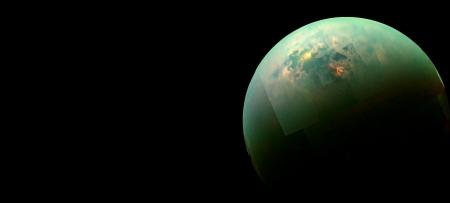 Titan hydrocarbon seas